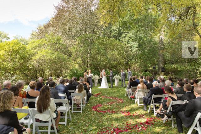 outdoor wedding at milton park bowral
